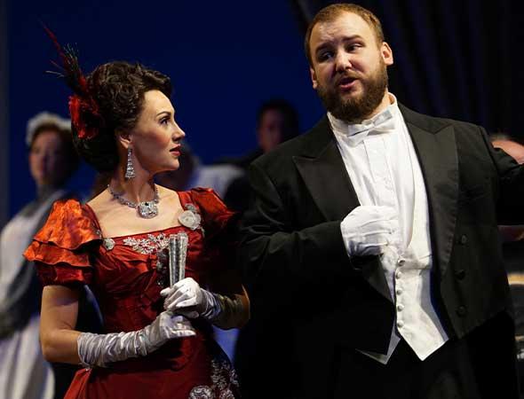 "KUTV – Utah Opera's ""La traviata"" production"