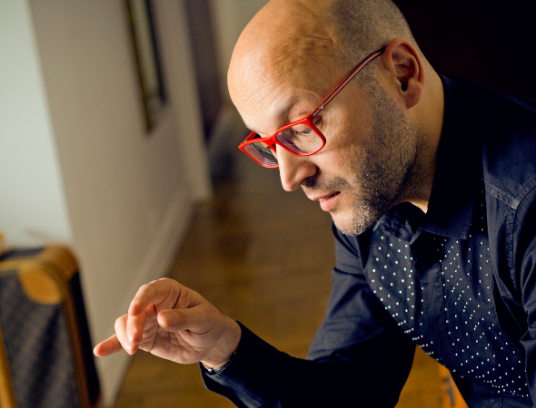 Utah Arts Review – Conductor Enrique Mazzola is passionate about bringing classical music to new audiences