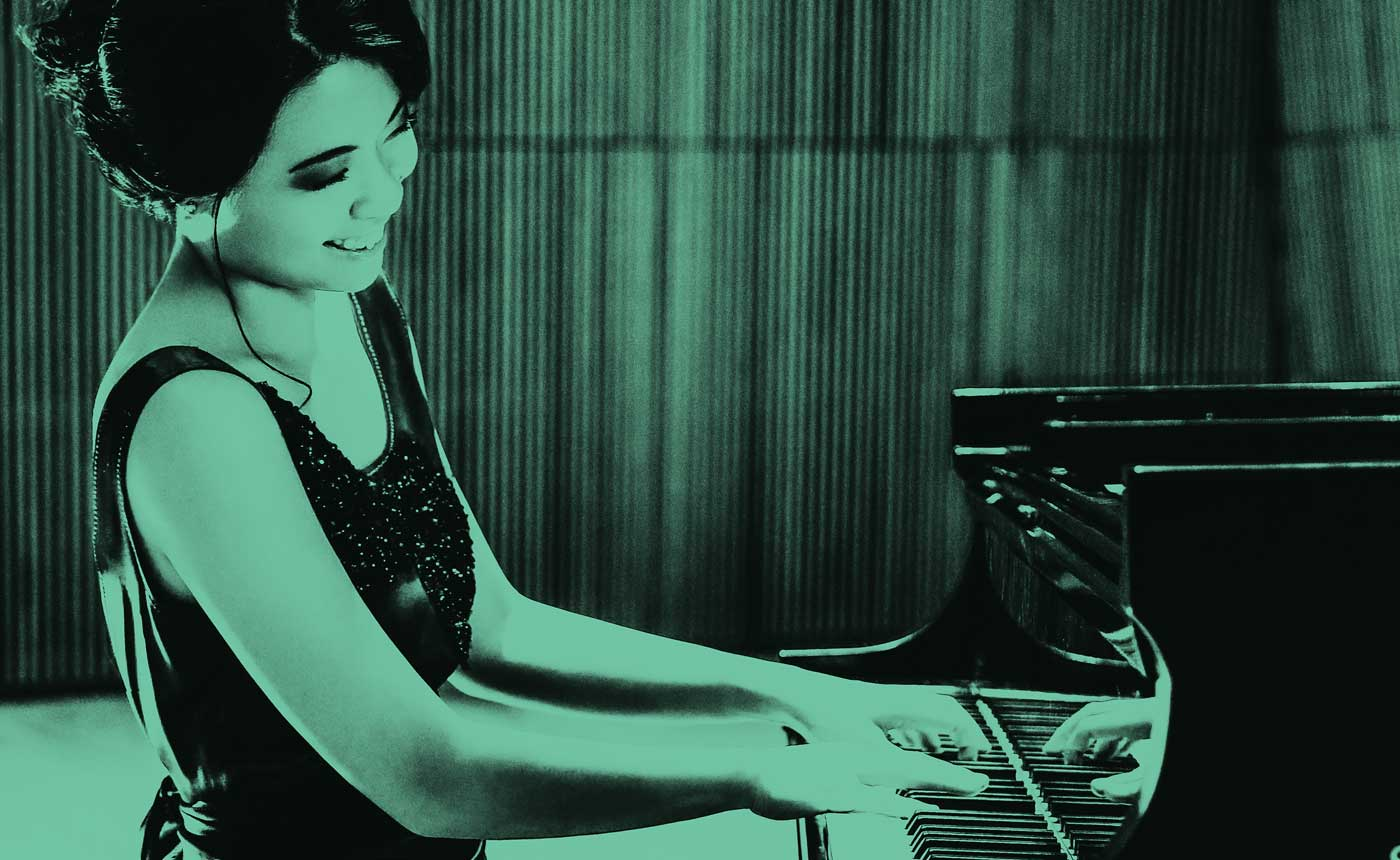 Fischer conducts Gershwin & Dvorák at The Noorda