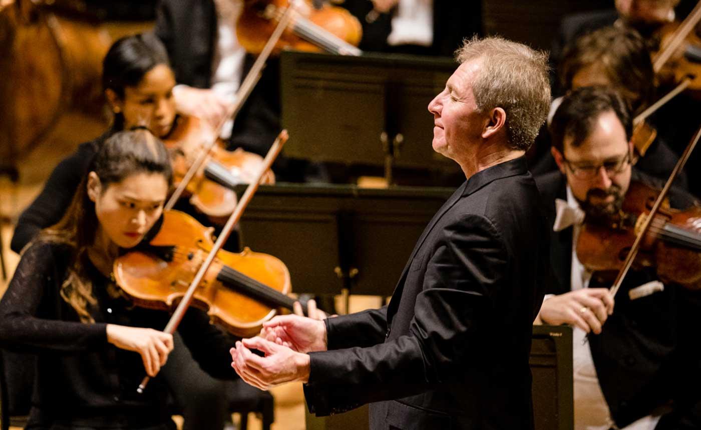 Thierry Fischer, conductr.r Photo: Austen Diamond