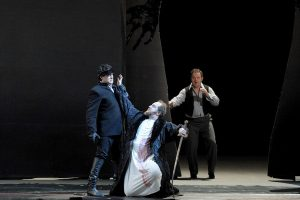 Don Giovanni kills the Commendatore. (Mariinsky Theatre production)
