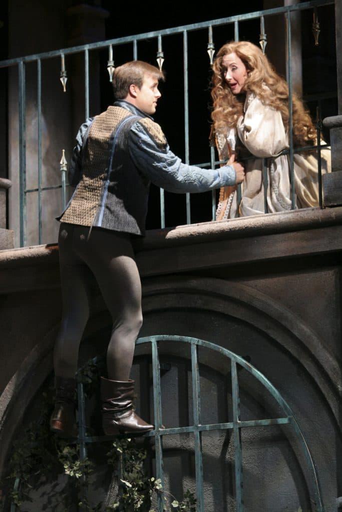 Utah Opera Company production of Romeo & Juliette, October 2005